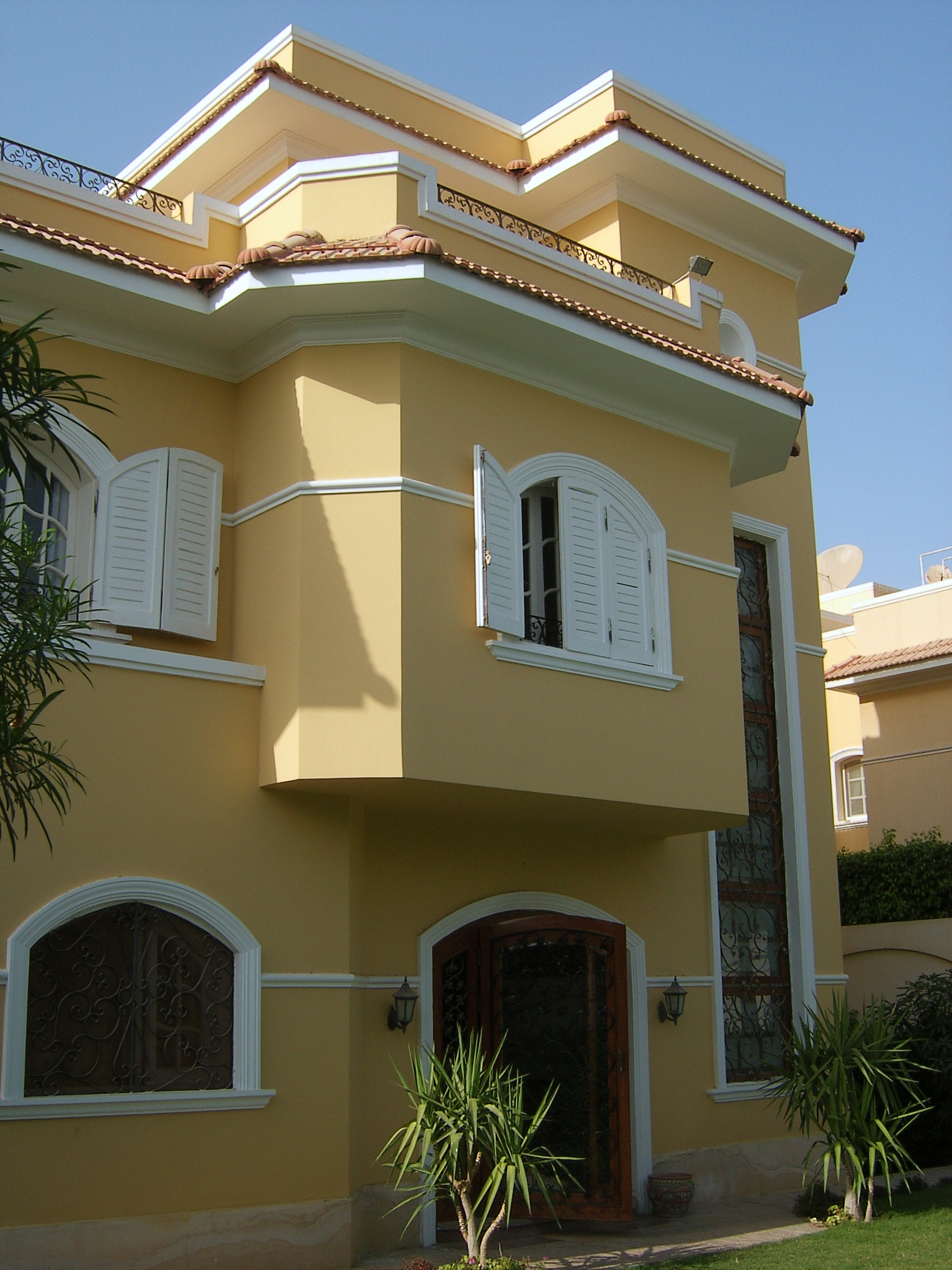EgyptMainGate - Villa for rent semi furnished in 6 October
